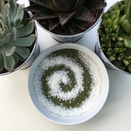 Spinach & Coconut Smoothie Bowl